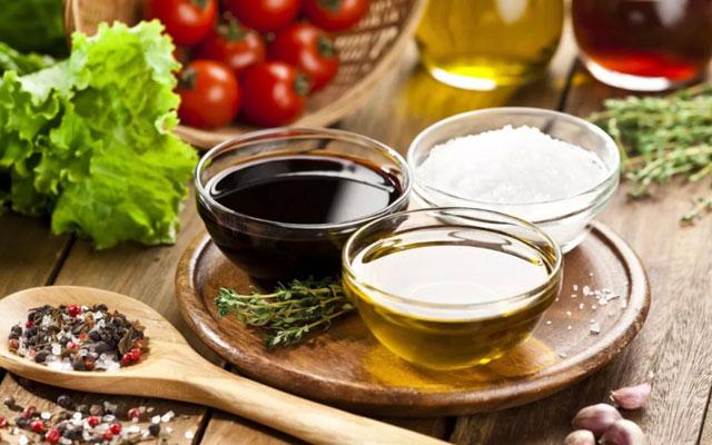 骨头汤不补钙,吃酵素不减肥!100 条饮食谣言,别上当!