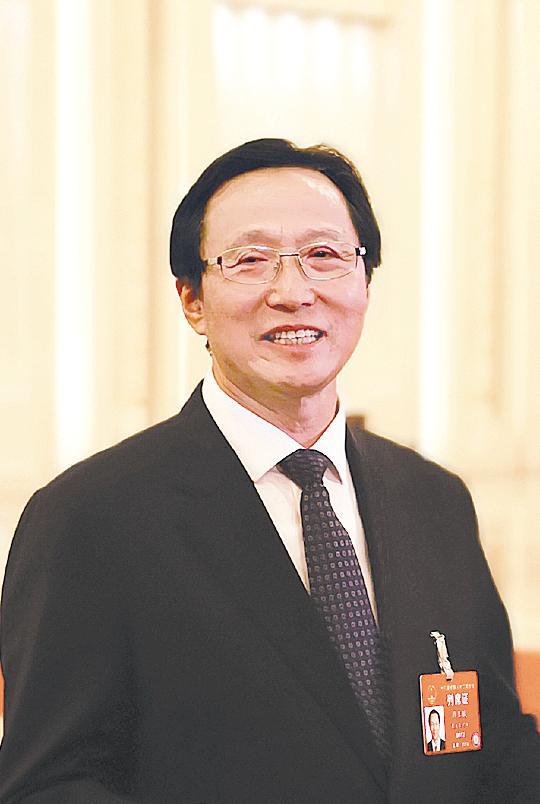 农业农村部部长韩长赋: 中央支持粮食生产的政策会始终一贯