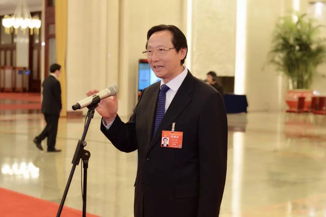 """部长通道丨韩长赋就粮食生产和""""厕所革命""""等问题答记者问"""