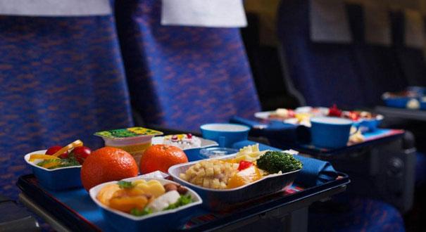 飞机餐严重缩水,乘客利益不可轻视