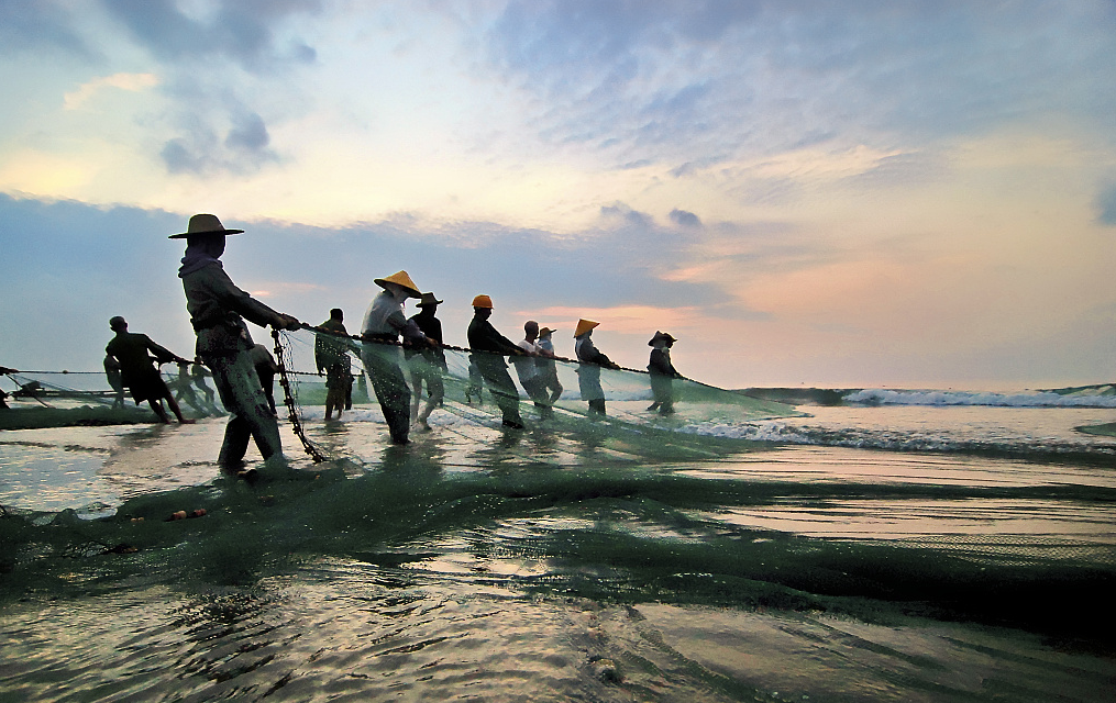 """江苏泰州:长江渔民上岸""""转业""""护渔"""